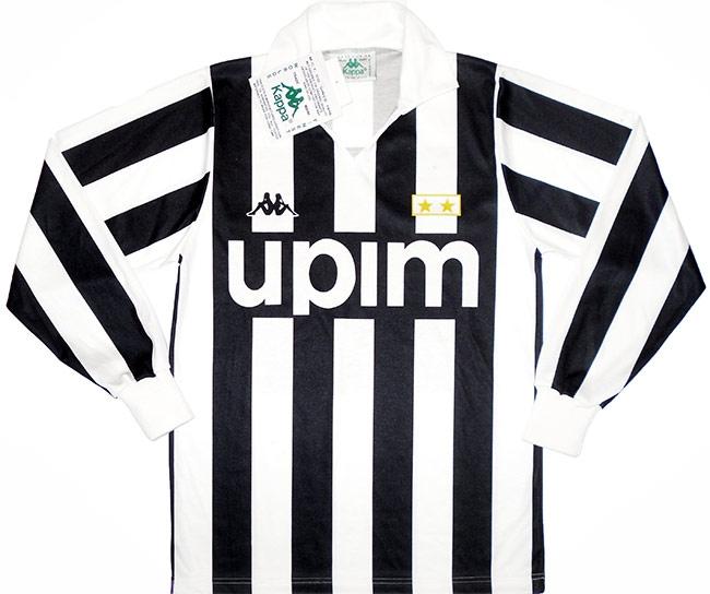 Vintage Juventus Shirts 1990 home shirt