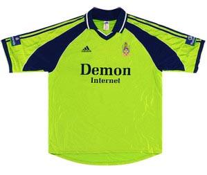 Retro Fulham 1999 away shirt